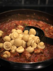 Herkkusienet chili con carneen