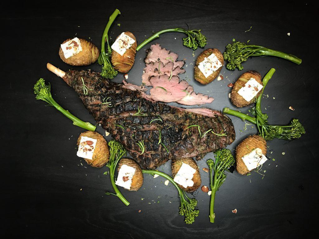 Karitsanviulu grillistä pääsiäispöytään