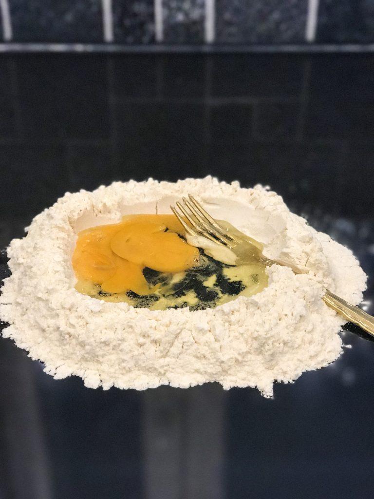 Itsetekemän pastan ainekset
