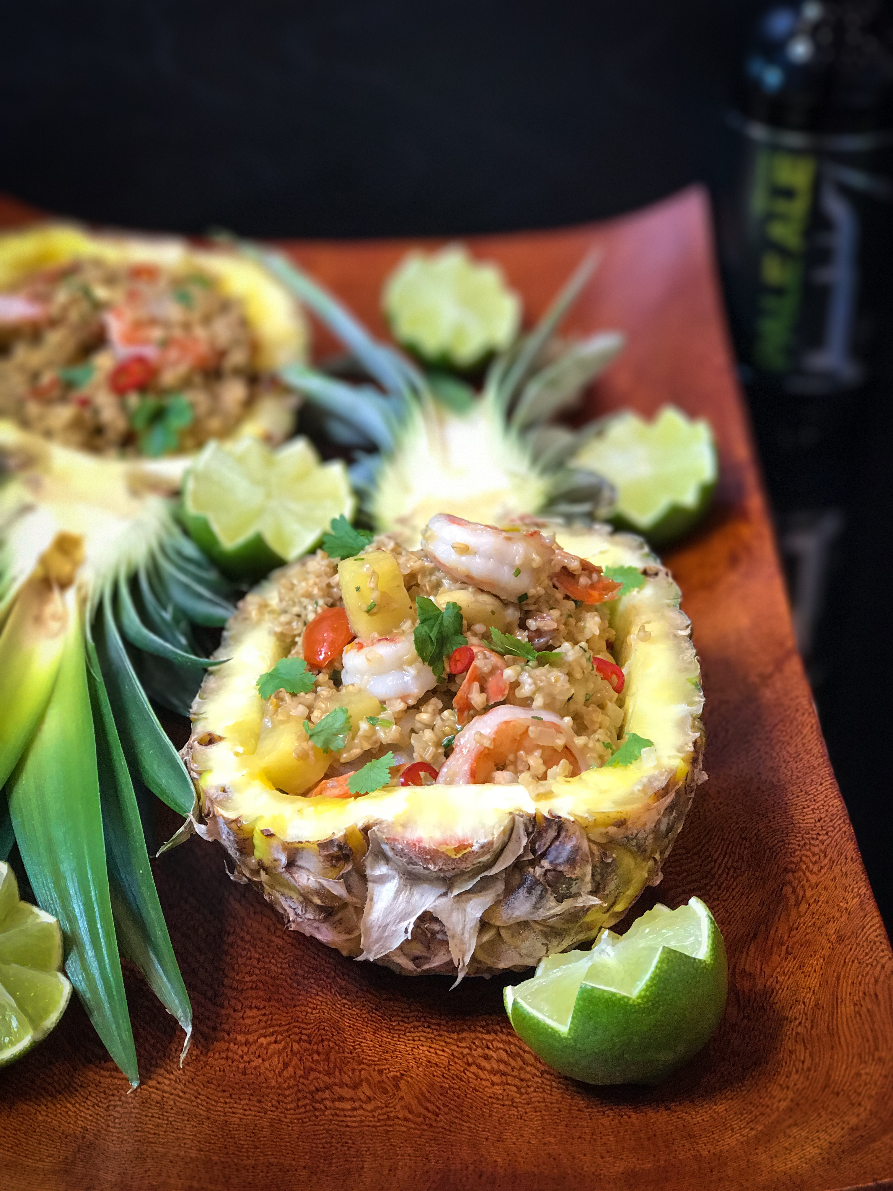 Raikas täytetty ja ruokaisa ananas